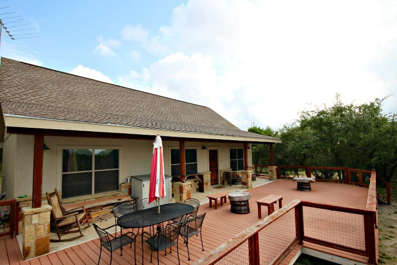 SkyRun Property - 'CANYON LAKE HIDEAWAY' - Welcome to the Hideaway