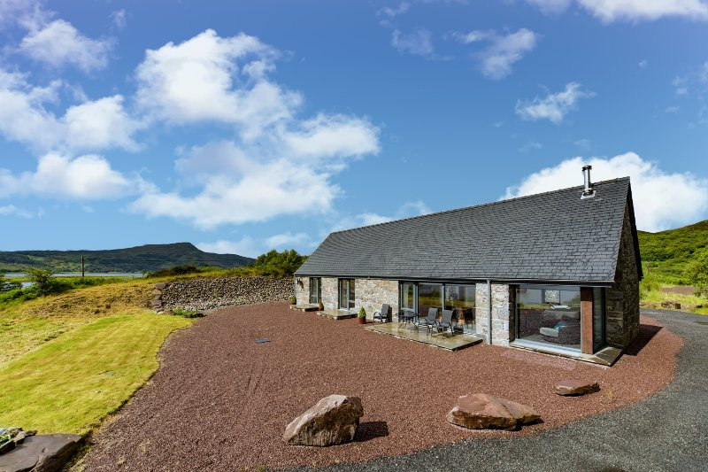 Avernish Lodge, vacation rental in Drumbuie