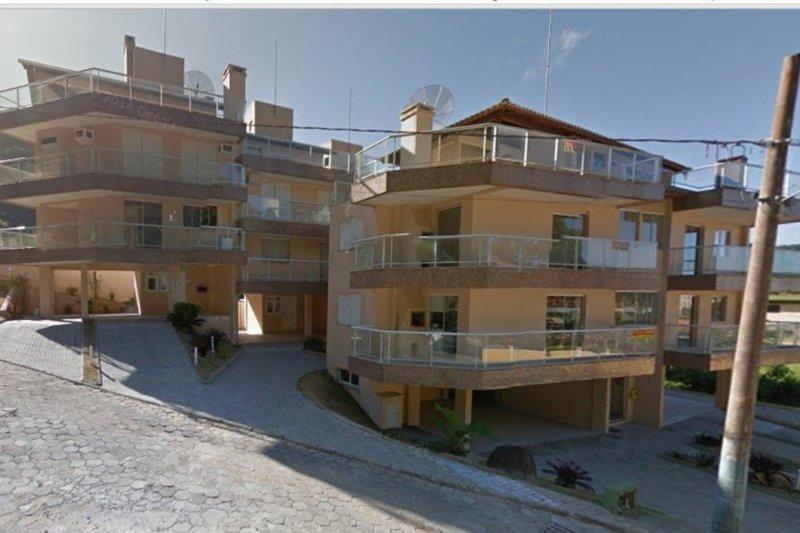 Casa/Apto de 3 andares em condomínio, holiday rental in Bombinhas