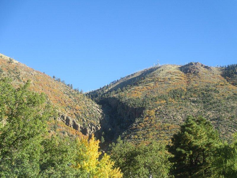 Juste à la porte et aux fenêtres, il ne reste que 2 semaines en octobre pour se régaler de belles couleurs d'automne