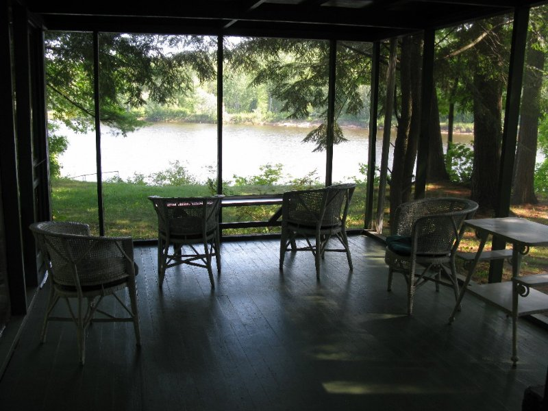 Charming 1940 Family Cottage on the St. Croix River, holiday rental in Forest Lake