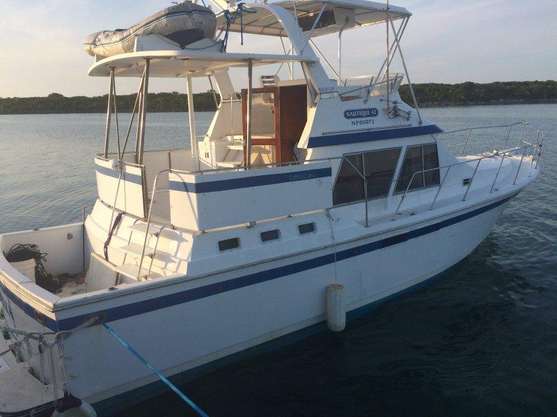 42' Nautique Yacht.