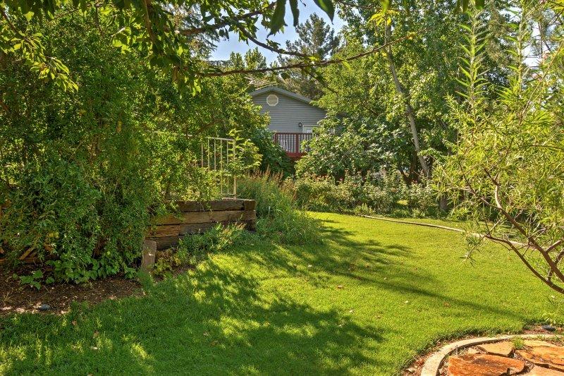 Réjouissez-vous d'un séjour de détente à « The Orchard, » un de 4 chambres uniques, 3 bain maison de location de vacances à La Verkin.
