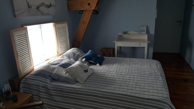 La maison de Venus chambre 'Neptune', location de vacances à Saint-Jean-de-Beugné