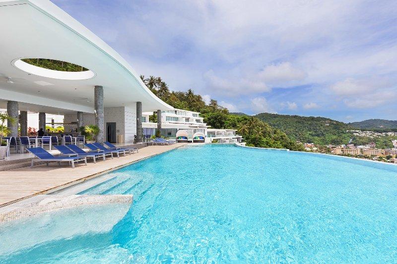 APPART LUXE PLEINE VUE MER 180° PISCINE 2 CH 4/5P (F6) FITNESS SWIMMINGPOOL GYM, holiday rental in Kata Beach