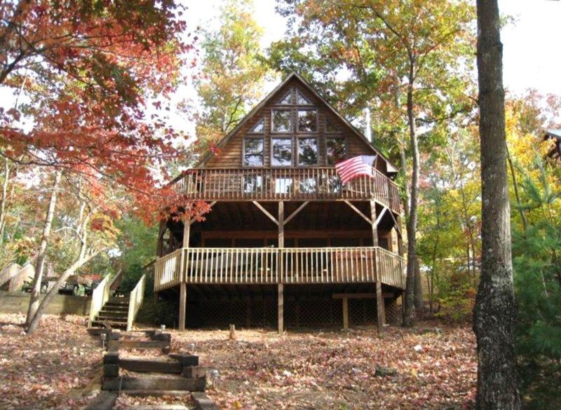 5BR/4BA Lake Blue Ridge - Waterfront Family Retreat- Free Wifi, alquiler de vacaciones en Morganton