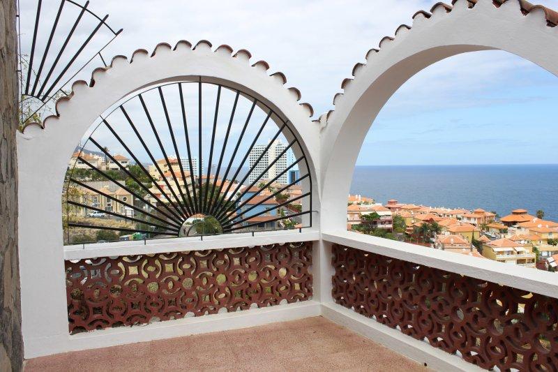 Balcony/ Terrace