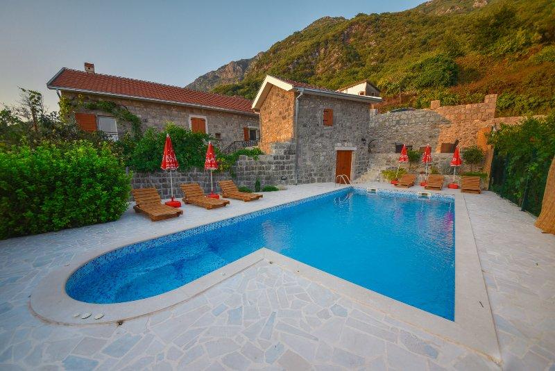 Mediteraneo Villa, holiday rental in Kotor