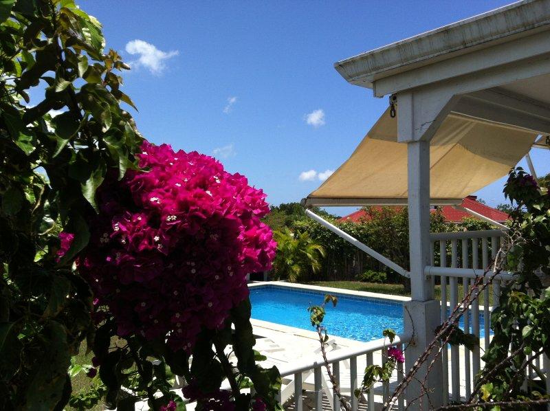Charmante Villa avec piscine et jardin, location de vacances à Baie-Mahault