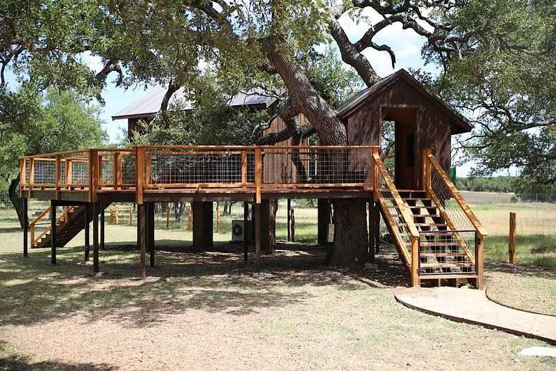 The Machan- Tree-House, vacation rental in Dripping Springs
