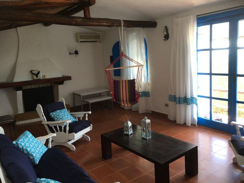 villa Paradiso, panorama mozzafiato immersi nella natura, contesto riservato, holiday rental in Terra Mala