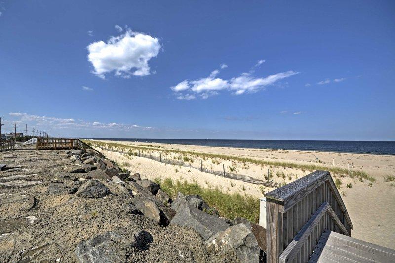 Con la playa a pocos pasos, esta propiedad no tiene rival.