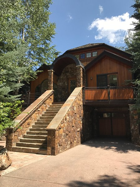 East End 4 king beds, 4.5 baths, mountain views,walk to town, vacation rental in Aspen