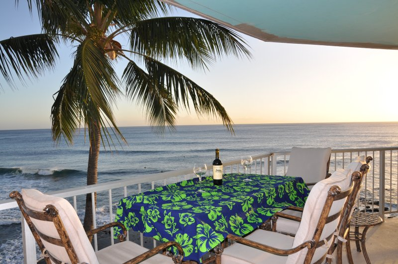 Luxury at the Beach, holiday rental in Makaha