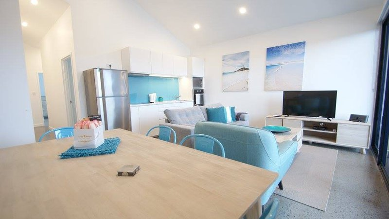 Sunset Place Apartments- The Blue, holiday rental in Scarborough