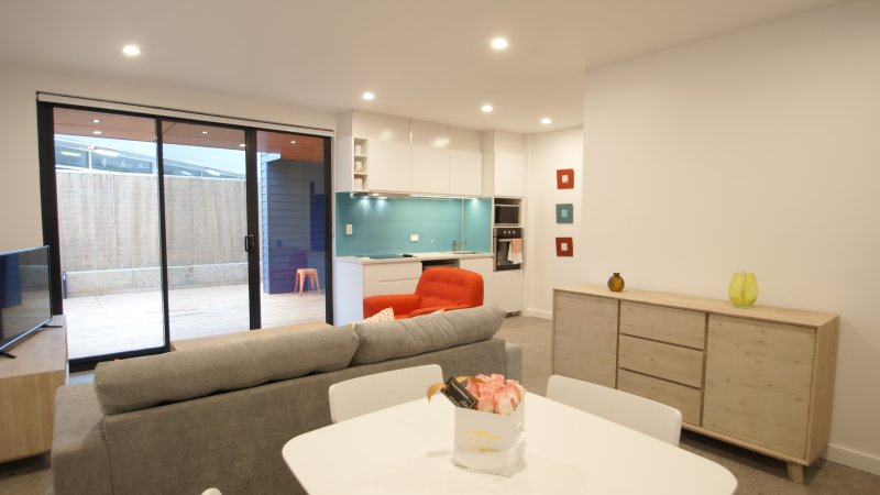 Sunset Place Apartments- The Orange Ground, holiday rental in Scarborough
