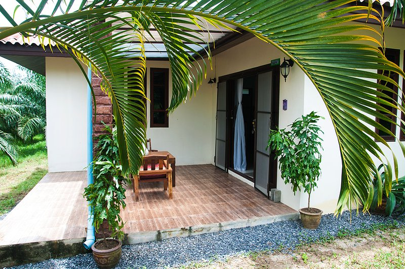 Palm Mews Luxury Holiday Home, vakantiewoning in Khao Lak