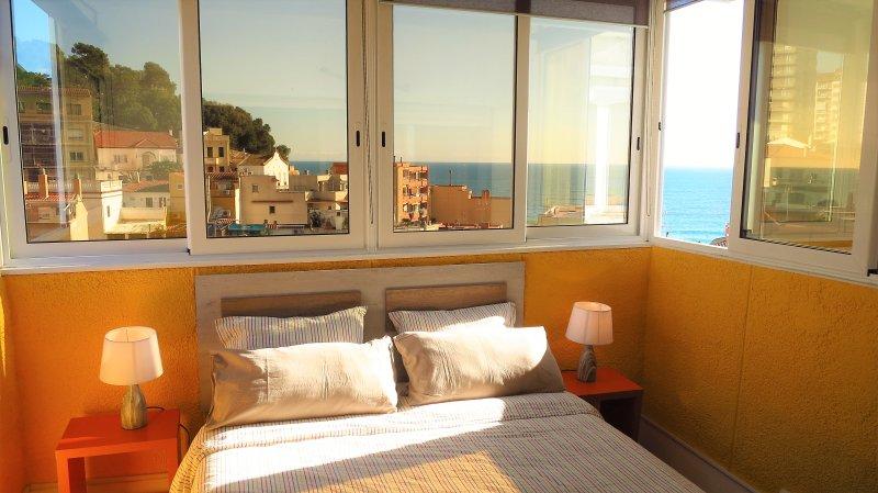 Chambre I: 1 lit double, vue sur la mer