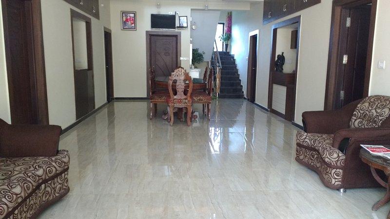 TripThrill Sapthagiri Royal - 1, holiday rental in Madikeri Taluk