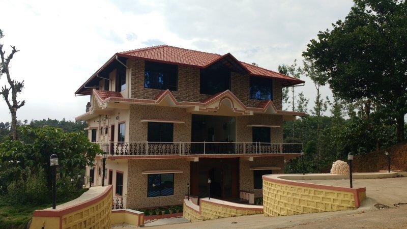 TripThrill Sapthagiri Royal-2, holiday rental in Madikeri Taluk