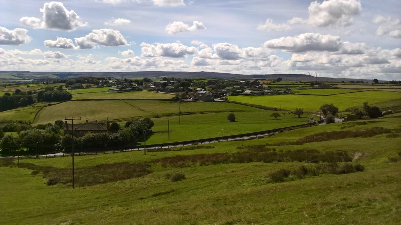 Character Cottage in the heart of the Colne Valley (perfect for a staycation), alquiler vacacional en Huddersfield