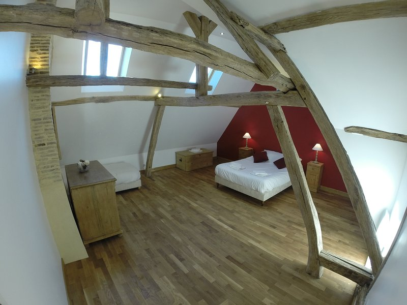 gite de Septfonds GUEDELON, holiday rental in Lainsecq