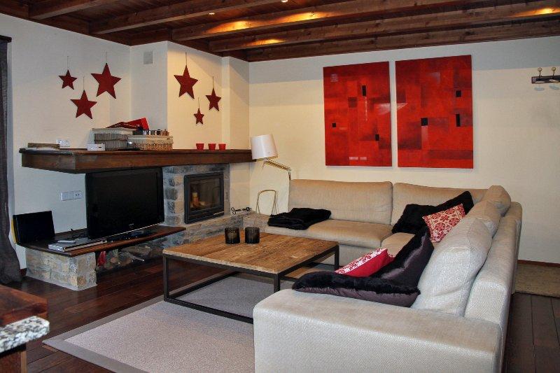 VAL DE RUDA, BLANHIBLAR, APARTAMENTO 3 DORMIT, vacation rental in Baqueira