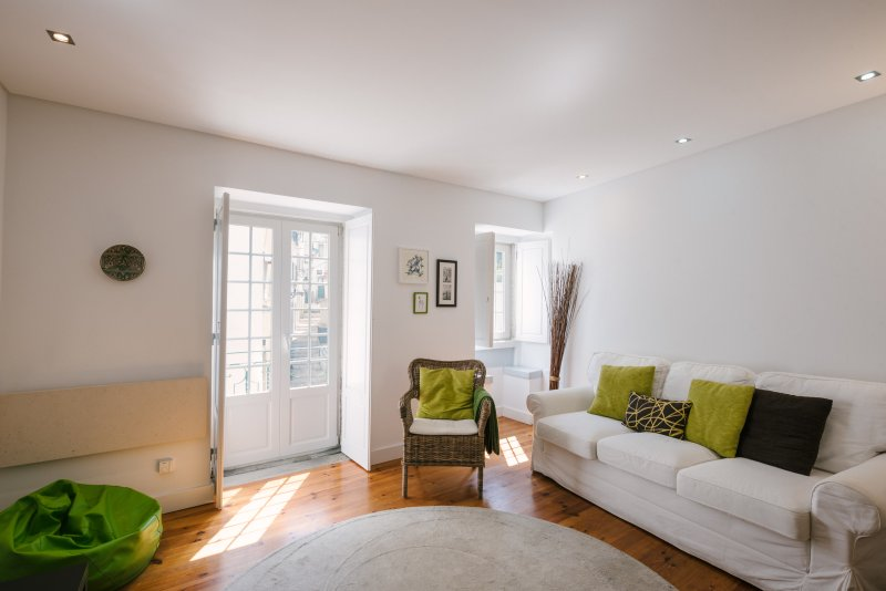 New cozy and charming apartment in historic Alfama, alquiler vacacional en Lisboa