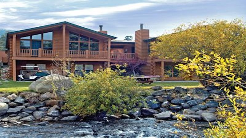 3BR/2BA Deluxe River Front Estes Park (sleeps 8) Jul 26 Aug 2 2020, vacation rental in Estes Park