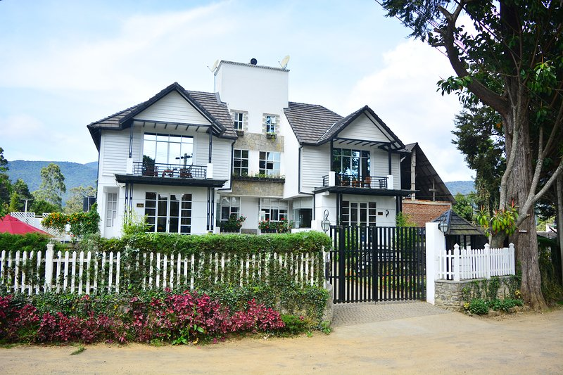 Unique Cottages - Deluxe Double Room, aluguéis de temporada em Nuwara Eliya