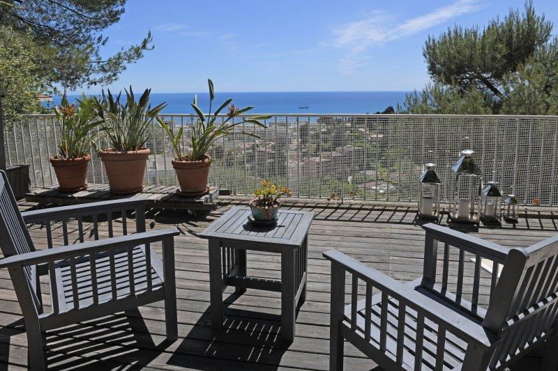 Appartement-Villa de 80m2 avec jardin vue mer Féerique, vacation rental in Monaco-Ville