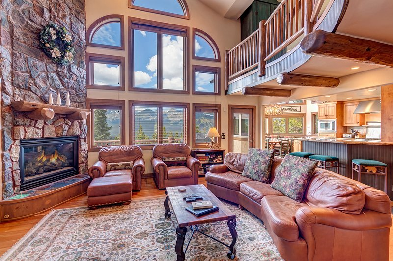 SkyRun Property - 'Above the Fray' - Living room with gas fireplace