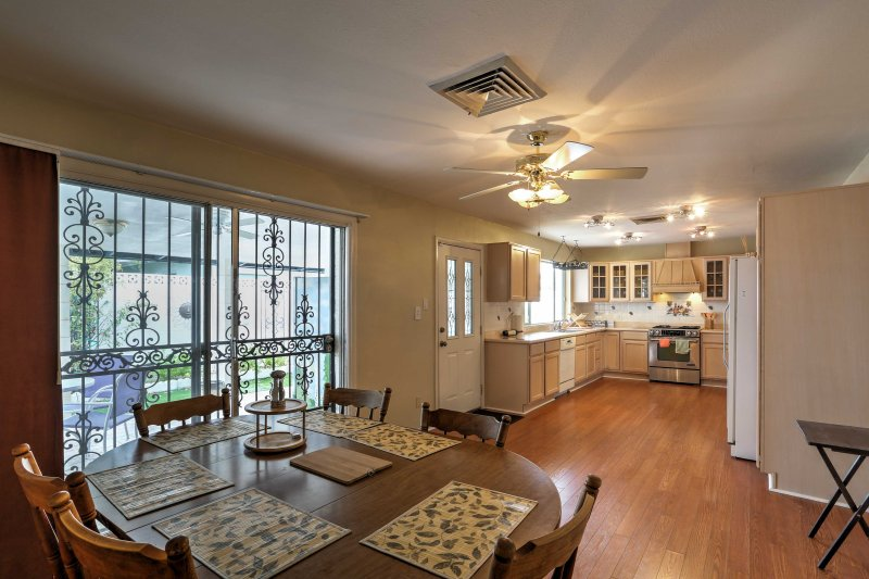 Make your favorite homemade meal in the fully equipped kitchen and sit down with friends at the dining table set for 6.