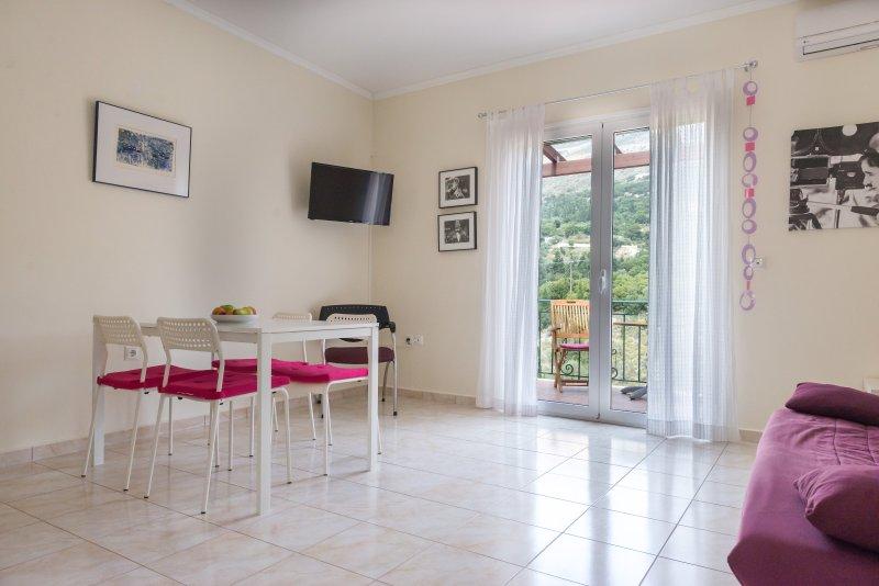 Myrtos Cottages Cleo, vacation rental in Divarata