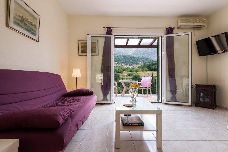 Myrtos Cottages Euterpi, vacation rental in Divarata