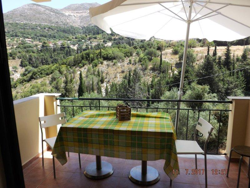 Myrtos Cottages Melpomene, vacation rental in Divarata