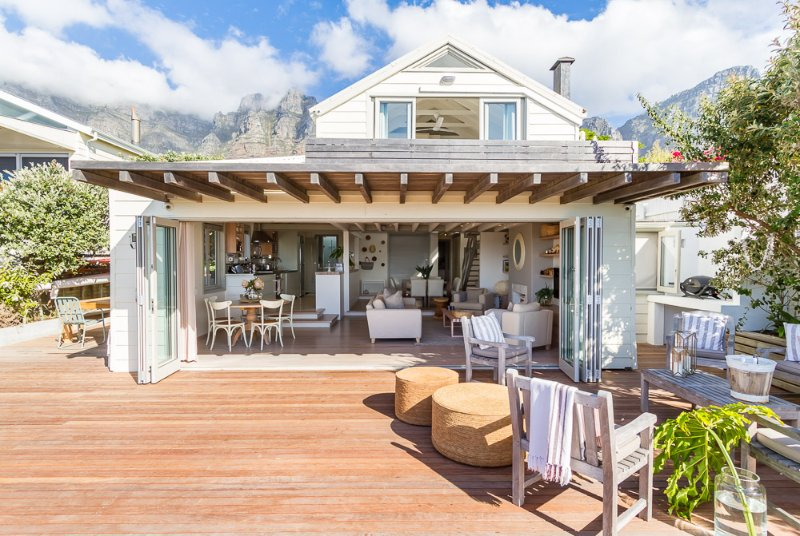 Bakoven Bungalow on the rocks close to Camps Bay, vacation rental in Bakoven