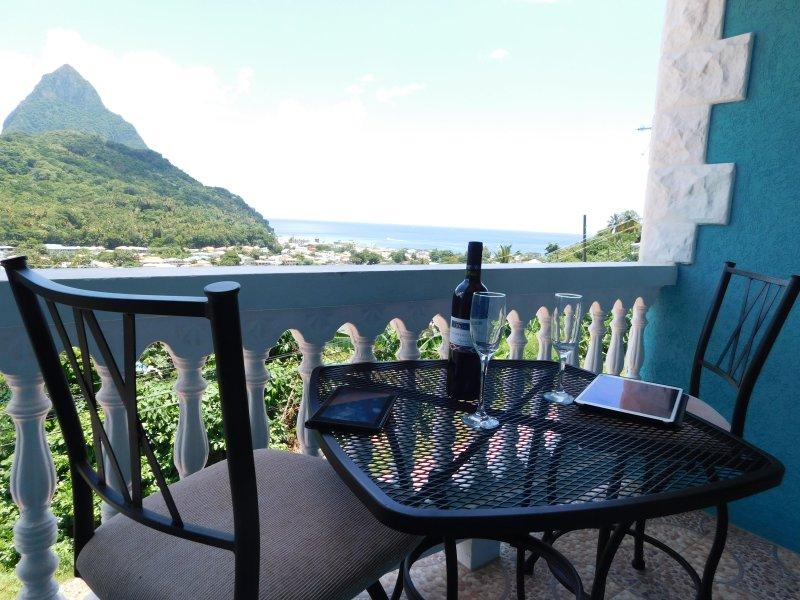 SAPPHIRE APARTMENT 3, ST. LUCIA - $1M VIEWS; GREAT LOCATION, SOUFRIERE, alquiler de vacaciones en Soufrière
