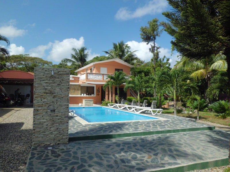 area piscina fronte