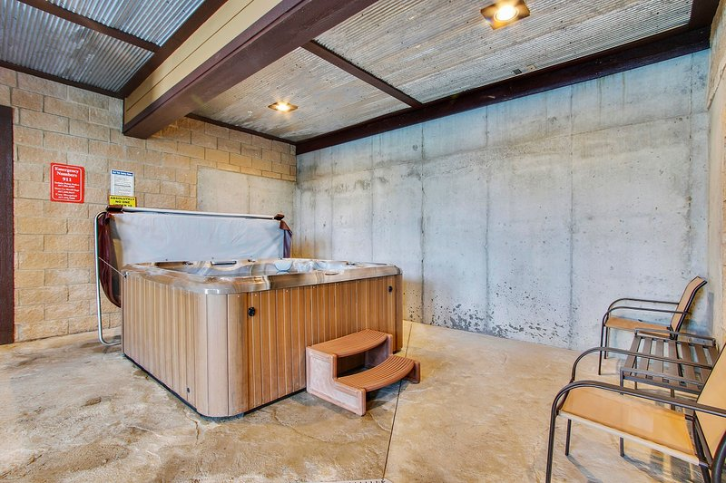 Only 3 Stairsteps To Condo Near Sdc W Indoor Pool Updated