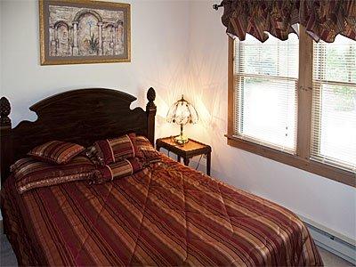 # 2 dormitorios con cama de matrimonio.