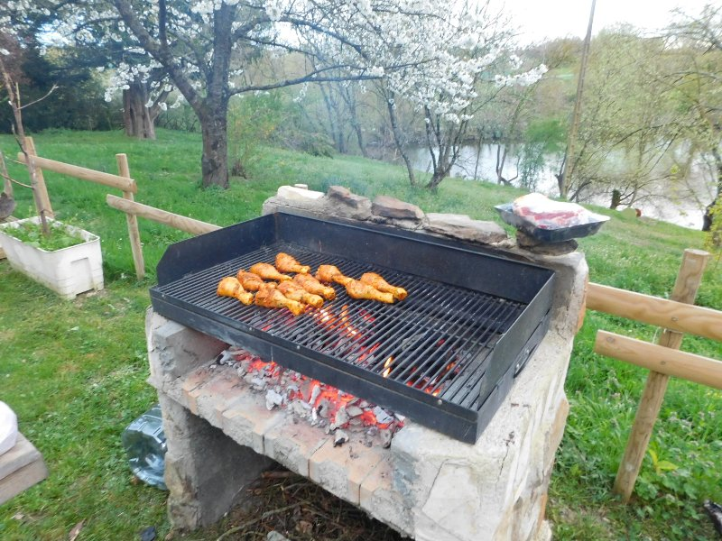 Barbecue available to travelers