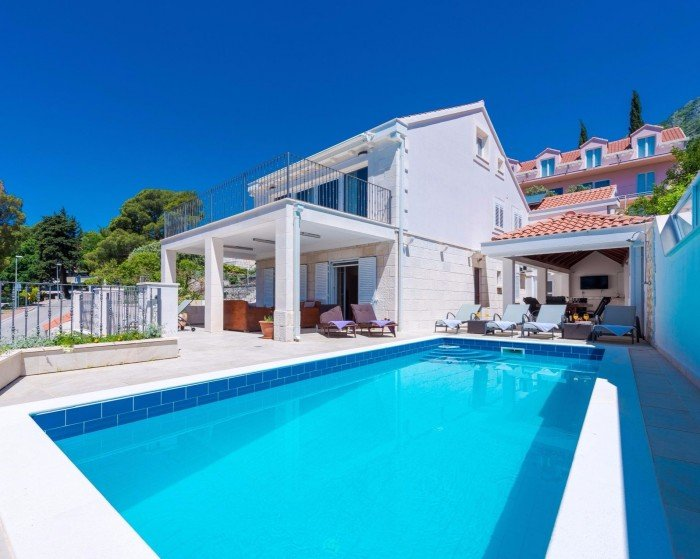 Villa Mlini with Private Pool, alquiler de vacaciones en Mlini