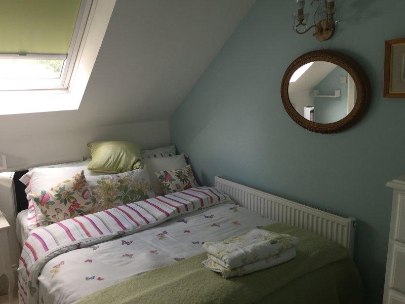 top floor apt en suite bedroom