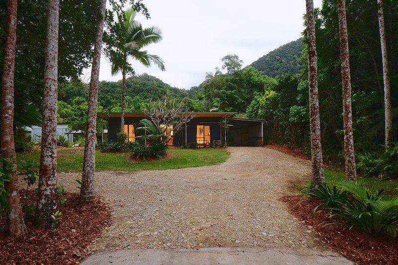 Daintree Rainforest Beach House – semesterbostad i Cow Bay