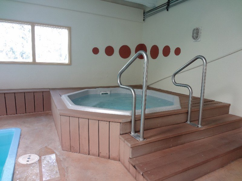 Jacuzzi,Tub,Banister,Handrail,Staircase