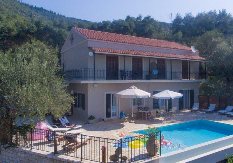 Hermosa Villa con privada piscina infinita y terraza