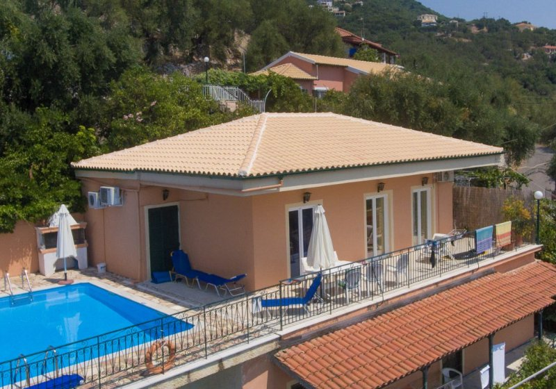 Beautiful Villa with Private Pool, Terrace and Views