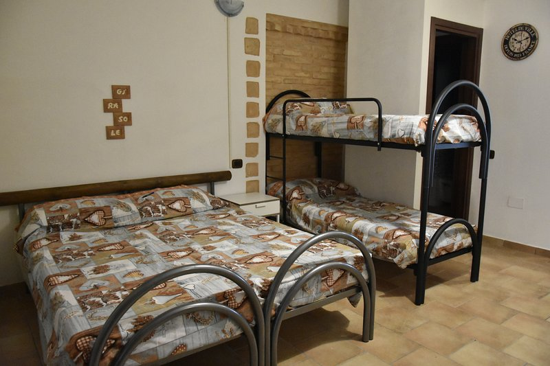 Agriturismo Fattoria del Colle-Monolocale Girasole, vacation rental in Agugliano