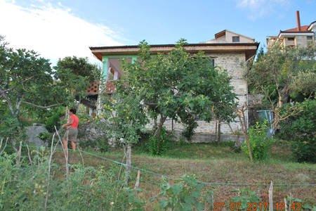 Surrel Farm House, location de vacances à Daias-Barabas